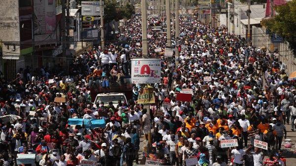 Haití continúa siendo la nación más pobre del mundo y desde 1986 hasta la fecha han pasado 20 presidentes distintos.