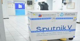 La vacuna Sputnik V ha sido registrada en al menos 67 países, destacando su efectividad para combatir la Covid-19.