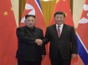 """Xi Jinping puntualizó que """"el camarada secretario general Kim Jong Un y yo nos hemos reunido muchas veces para (…) el desarrollo de las relaciones entre las dos partes y los dos países""""."""