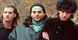 La canción fue compuesta por Gustavo Ceratie hizo parte del álbum Canción Animal de Soda Stereo en 1990. De Música Ligera fue lanzada como single del álbum.