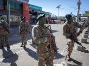 Frente al incremento de la violencia, el presidente sudafricano ha enviado tropas para contener la espiral de las peores protestas en 30 años.