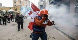 Simpatizantes de Keiko Fujimori protagonizaron actos de violencia en el centro de la capital peruana.