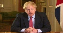 """""""Al igual que cientos de miles de personas en todo el país, he recibido un aviso"""" por el sistema de rastreo, dijo Boris Johnson."""