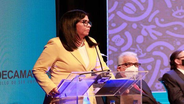 Delcy Rodríguez detalló que el bloqueo de activos no sólo han afectado al sector público nacional; sino también al privado.