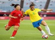 Entre los primeros desafíos del fútbol femenino, destacó la goleada de Brasil a China con marcador 5-0.