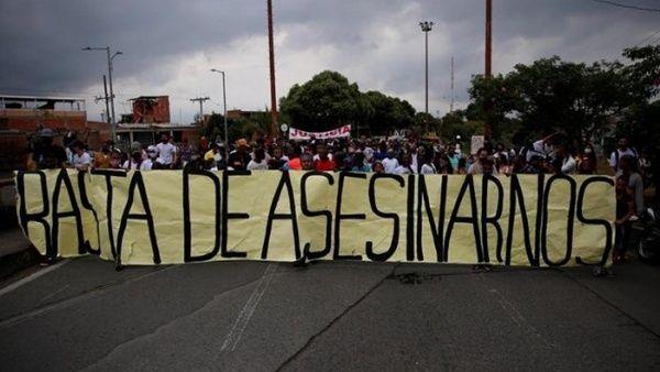 Sectores de la población colombiana se ha movilizado en varias ciudades del país para reclamar al Gobierno de Iván Duque medidas contra la violencia.