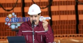 El presidente Maduro exhortó a la oposición a mantenerse en el camino constitucional y democrático.