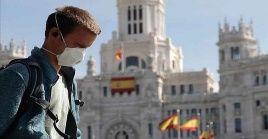 España reporta un incremento del 82 por ciento de casos positivos a la Covid-19 en la última semana.