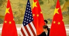 De acuerdo a la cancillería china, EE.UU. intenta responsabilizar a Beijing de sus problemas internos.