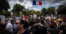 Alrededor de 160.000 franceses manifestaron el sábado en más de 100 ciudades del país para expresar su rechazo a la medida del Gobierno.