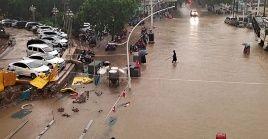 Henan sufre severas inundaciones a partir de lluvias intensas que caen desde mediados de julio.