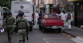 Funcionarios de la FGE de Michoacán envió los seis cadáveres al servicio forense para ser identificados por sus familiares.