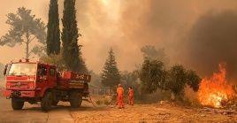 Unas 4.000 personas se encuentran realizando labores de extinción y de rescate en la región sur de Turquía.