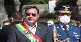 El mandatario aseveró que en este período, la institución militar empieza una etapa de reestructuración.