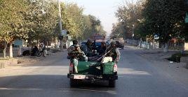 Fuerzas militares afganas intentan mantener el control de la ciudad de Kunduz en el norte de Afganistán.