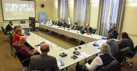 El Ministerio de Educación y los sindicatos acordaron reunirse en noviembre para una nueva evaluación salarial.