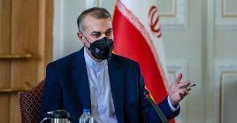 El canciller iraní afirmó que la política exterior de su país se centra en estrechar vínculos con países los vecinos en base al respeto.