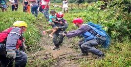 El pasado miércoles el jefe de Estado firmó el decreto de emergencia por 90 días debido al daño causado por las inundaciones.