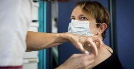 En esta jornada de vacunación, el Ministerio de Salud francés registró que 48.767.471 personas recibieron su primera inyección.