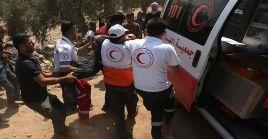 Según la Media Luna Roja palestina, 70 personas sufrieron asfixia por inhalar los gases lacrimógenos arrojados por soldados de Israel.