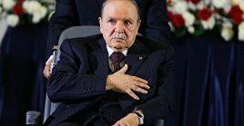 Abdelaziz Bouteflika sirvió como presidente por cuatro mandatos consecutivos desde 1999 hasta abril de 2019.