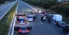 De acuerdo a informes, el autobús provenía del exterior y se dirigía a Múnich cuando se produjo el altercado.