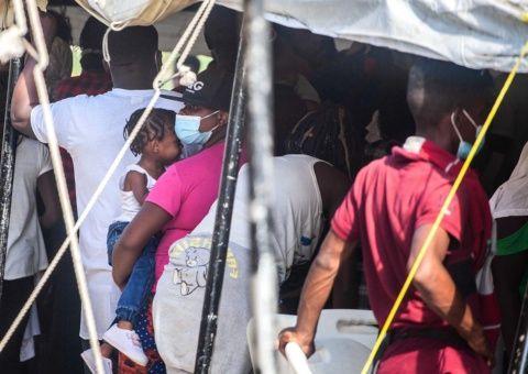 Datos de Naciones Unidas develan en cifra cercana a 15.000 los niños haitianos inmersos en la actual crisis migratoria.