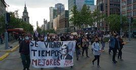 Los manifestantes marcharon por las principales arterias de Santiago hasta la plaza Baquedano y el Palacio de la Moneda.