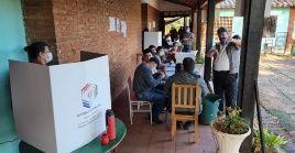 Las autoridades electorales paraguayas destacaron una amplia participación de la población en los comicios.