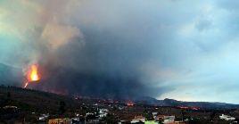 Autoridades indicaron que la lava volcánica ha arrasado 595 hectáreas de superficie en La Palma.