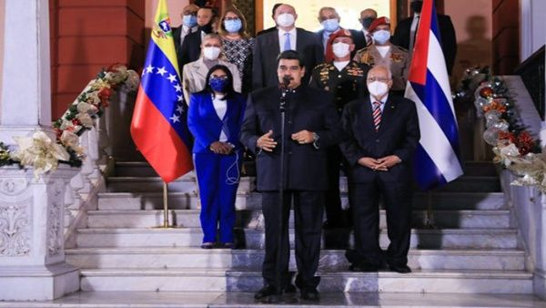 En el marco de la reunión sostenida con el viceprimer ministro de Cuba, Ricardo Cabrisas, el mandatario venezolano reiteró la solidificación de las relaciones con La Habana.