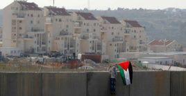 La mayor parte de la comunidad internacional considera que la construcción de asentamientos es una violación del derecho internacional.