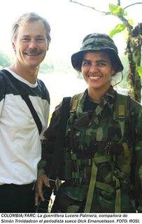Abril 2005: Entrevista a Lucero Palmera, coordinadora de la emisora Voz de la Resistencia del Bloque Sur de las FARC-EP. Murió con su hija en un bombardeo en septiembre de 2010. Compañera de Simón Trinidad, extraditado a EEUU por Álvaro Uribe el 31 de diciembre de 2004: https://youtu.be/sCfhGrP8R9M