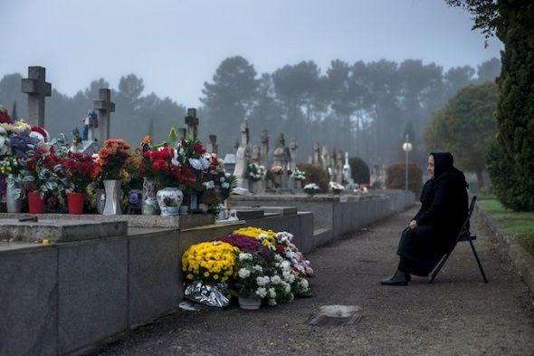 En esta fecha se honran como santos a todos aquellos difuntos que están en presencia de Dios. FOTO: EFE
