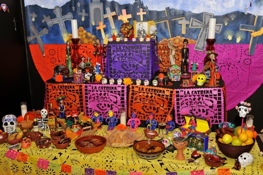 Decoracion Altar De Muertos ~ Calaveras, altares y flores para llamar a los muertos en M?xico