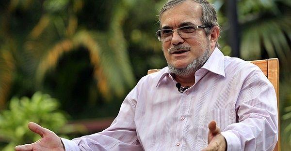 El líder de las FARc-EP Timoleon Jimenez, afirmó que el Gobierno colombiano no ayuda al proceso si no reconoce presencia de paramilitares en territorios dejados por los guerrilleros.