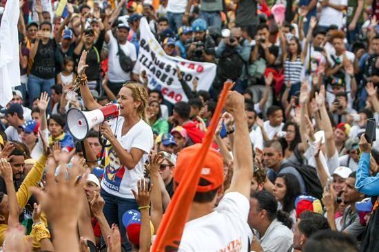 El presidente de la AN, Henry Ramos Allup, confirmó que la oposición marchará el próximo 3 y 5 de noviembre pacíficamente.