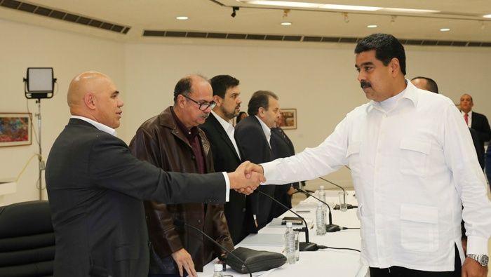 Resultado de imagen para Representantes del chavismo en los dialogos de paz en Venezuela