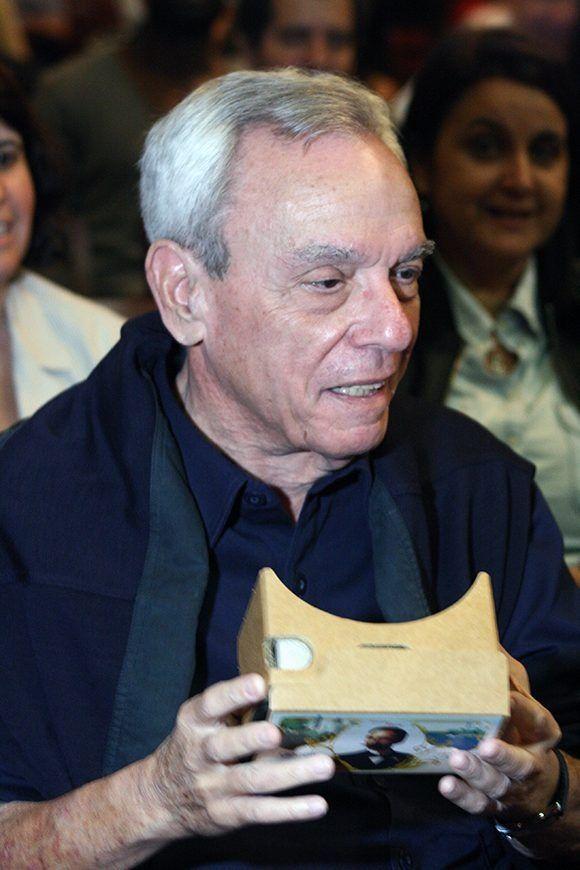 Eusebio Leal al momento de ver el documental. Foto: Cubadebate.
