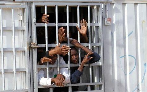 """Resultado de imagen de Refugiados son vendidos en """"mercados de esclavos"""" en Libia"""