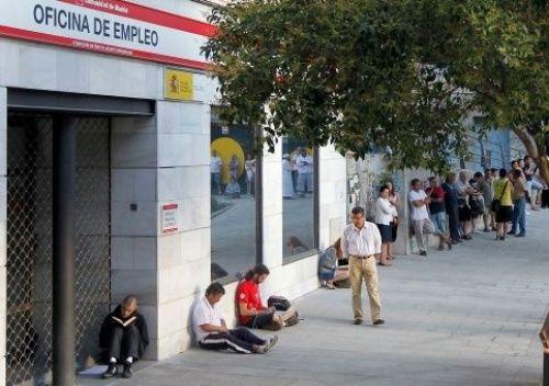 desempleo juvenil en espa a aumenta un 45 en solo 10