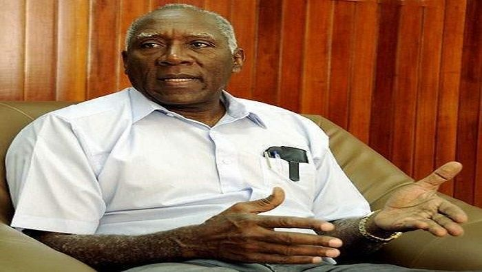 Es diputado a la Asamblea Nacional desde 1993 por el municipio Santa Cruz del Sur.