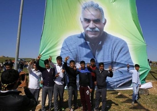 http://www.telesurtv.net/export/sites/telesur/img/news/2015/07/28/ocalan_kurds_pkk.jpg_77641111.jpg