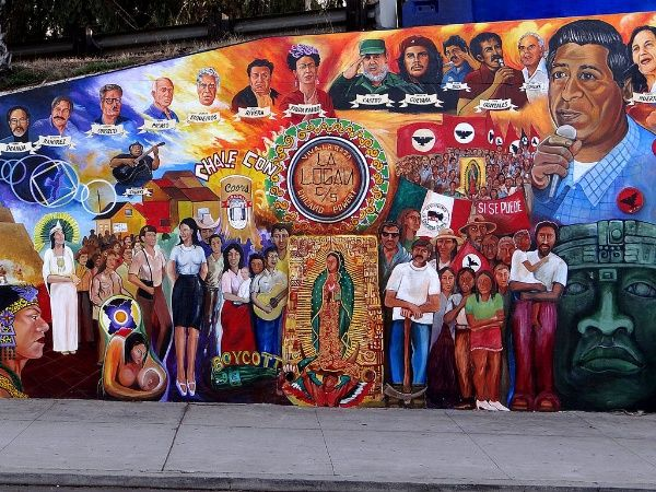 Chicano park wins us landmark status as trump era dawns for Chicano park mural